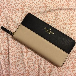 SALE 🏷 Kate Spade Zip Around Wallet